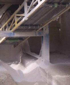 Образование пыли на цементном заводе